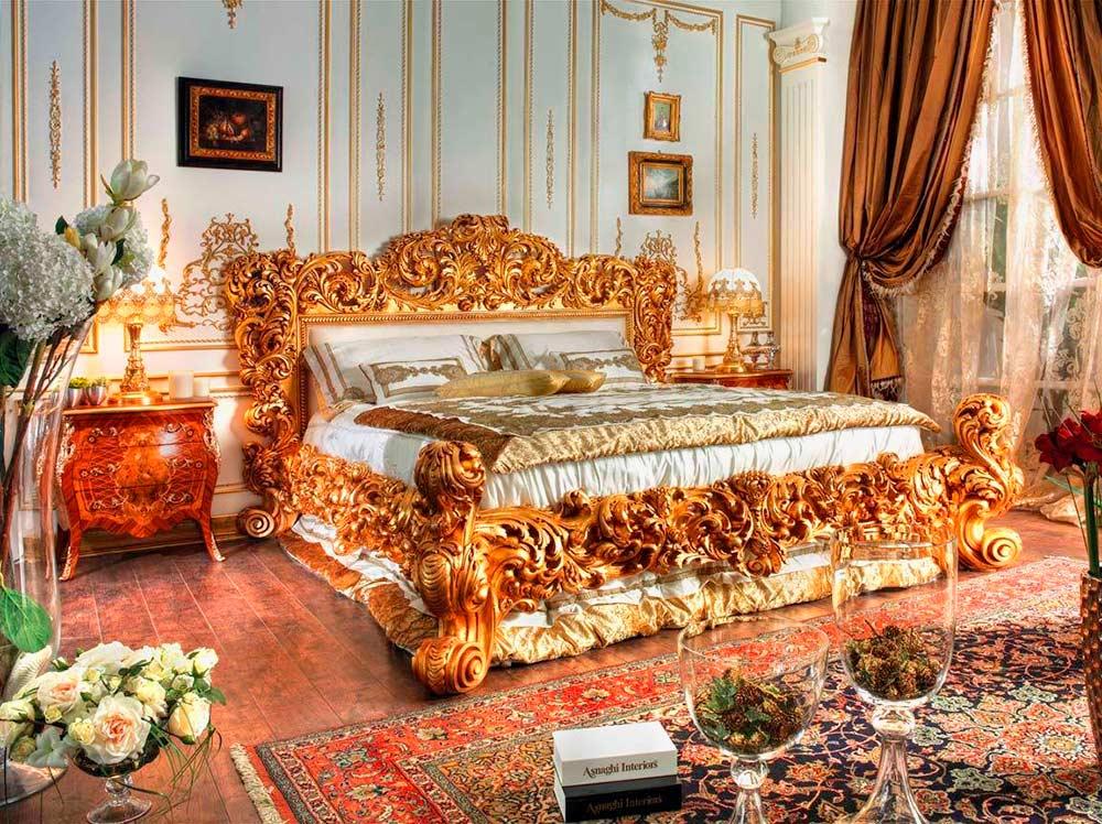 Богатое убранство спальни в стиле ампир