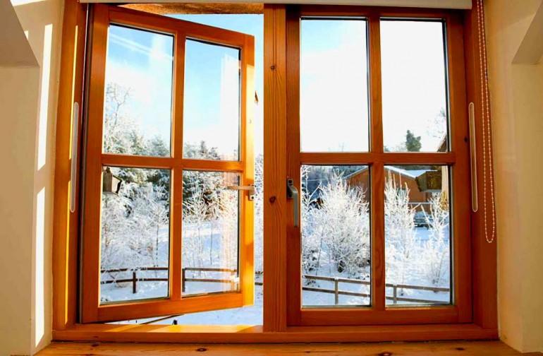 Деревянные-окна-в-доме