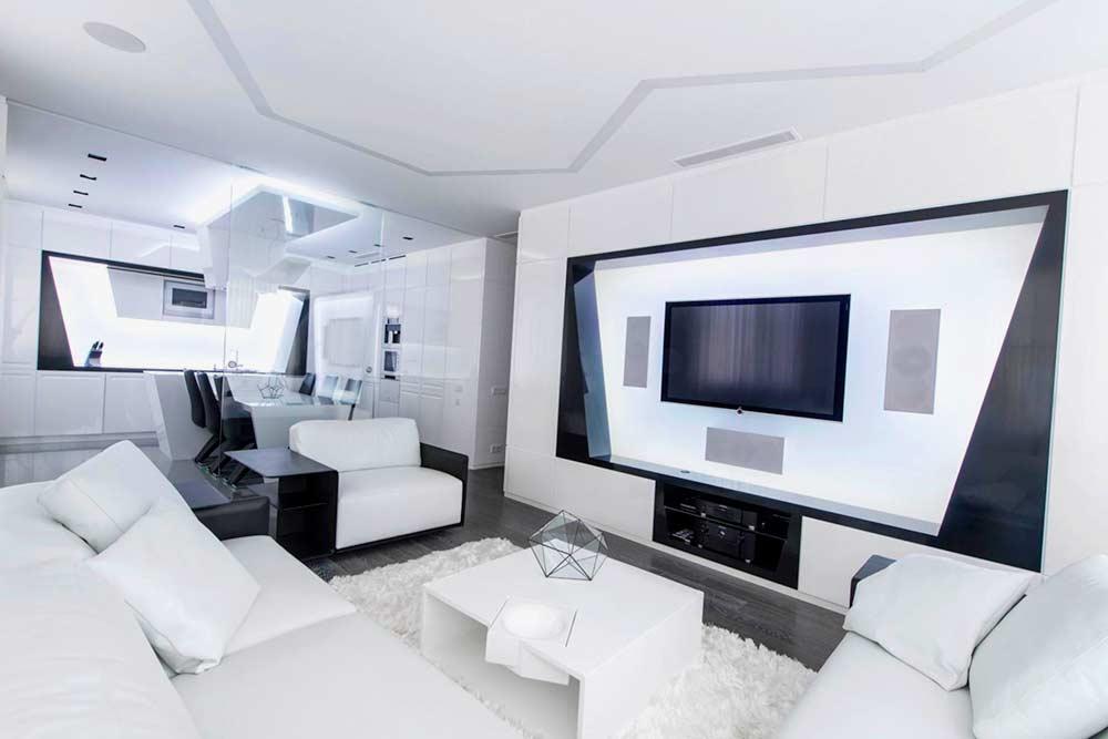 Динамичные и яркие оттенки в интерьере квартиры