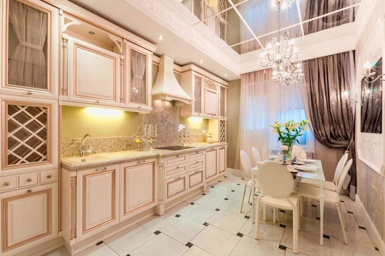 Зеркальный-потолок-в-дизайне-интерьера