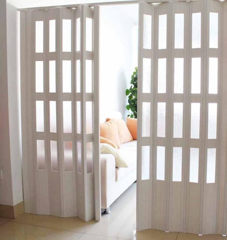 Преимущества и недостатки дверей гармошка