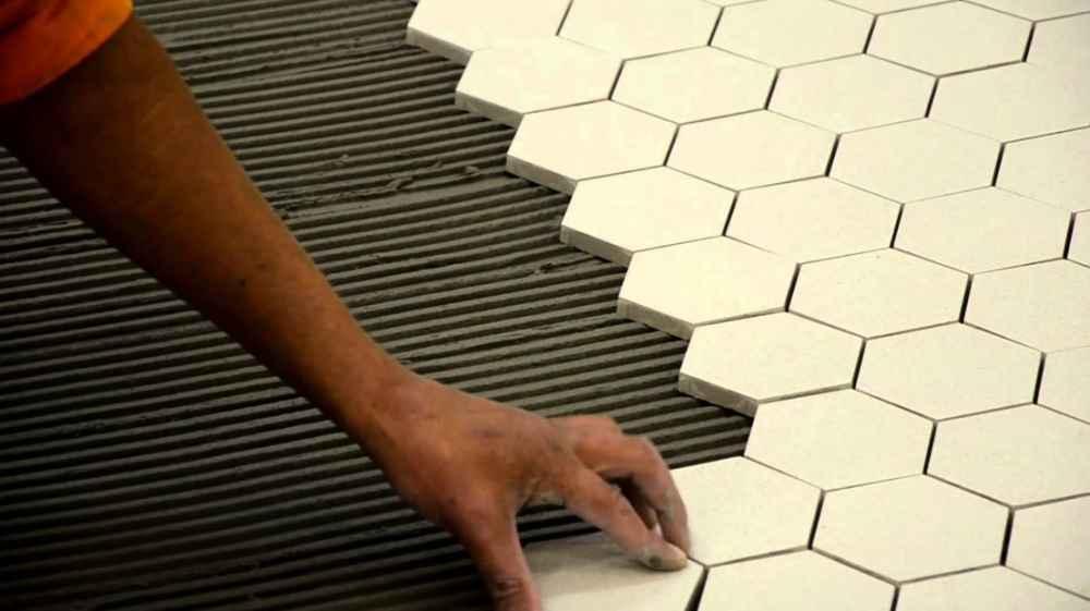 Масляная мастика при работе с керамической плиткой