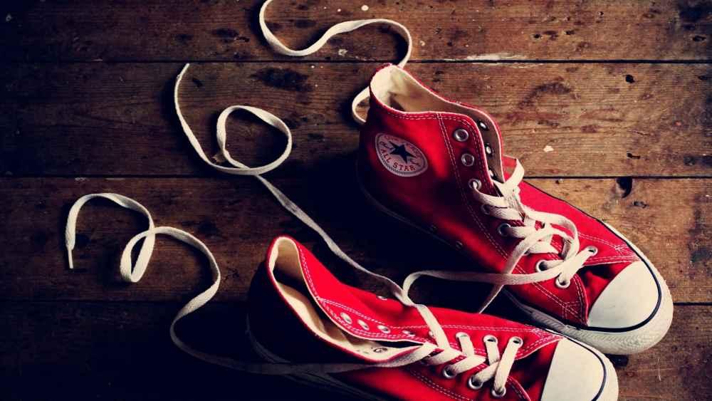 Как правильно постирать кеды или кроссовки, что бы они были как новые