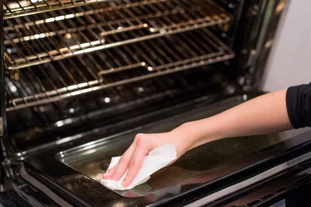 Как почистить духовку, простые и проверенные способы