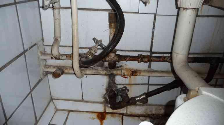 Когда пора делать ремонт в ванной комнате