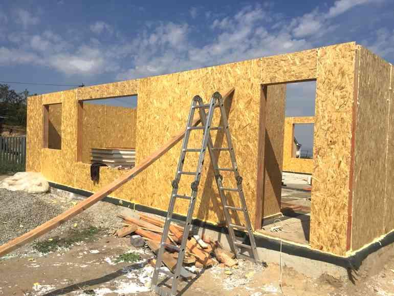 Стоит ли строить дом из сендвич панелей
