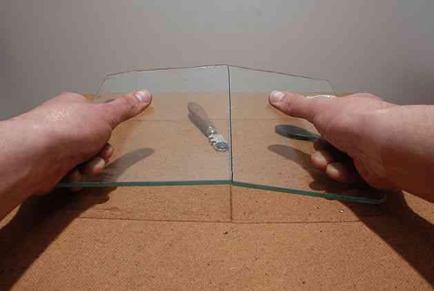 Какой стеклорез не ломает стекло