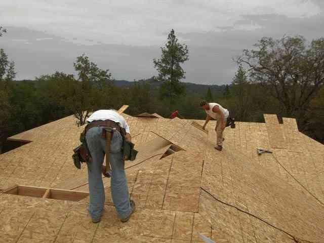 Специалисты советуют делать звукоизоляцию крыши именно так