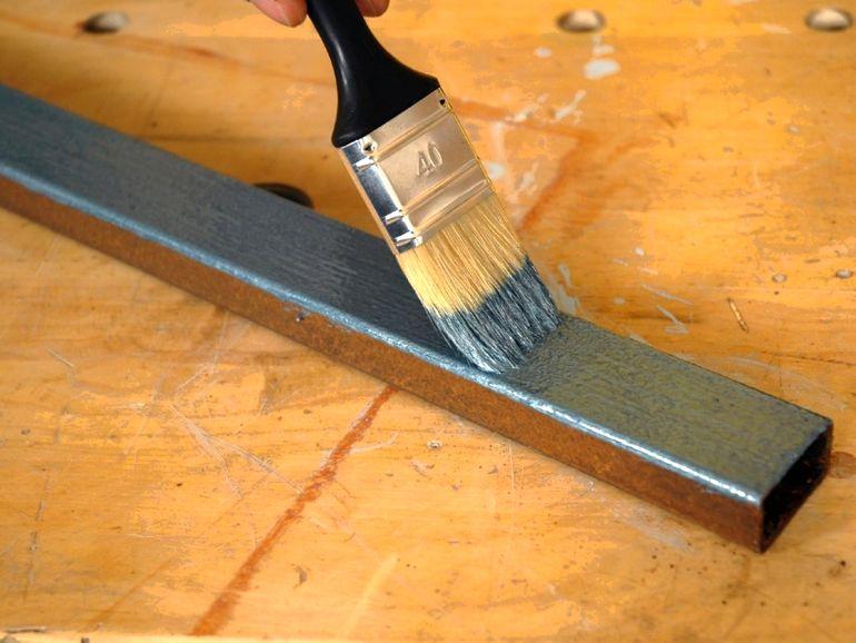 Что гораздо выгоднее резиновой краски для металла