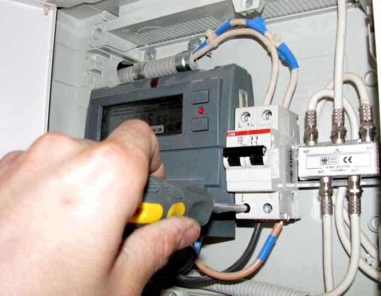 Чем опасна самостоятельная разводка электрической проводки