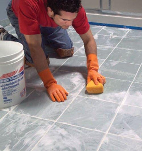 Как очистить плитку от старого клея без особых усилий