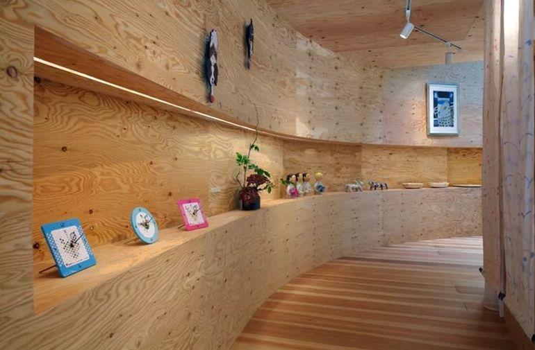 Как надежно обшить бревенчатый дом изнутри фанерой