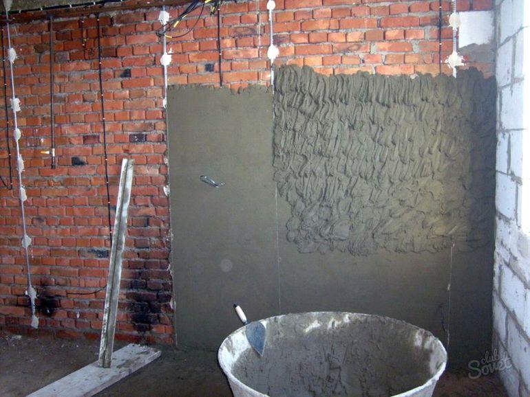 """Откуда на стенах появляются """"дутики"""": штукатурим правильно, чтобы не переделывать"""