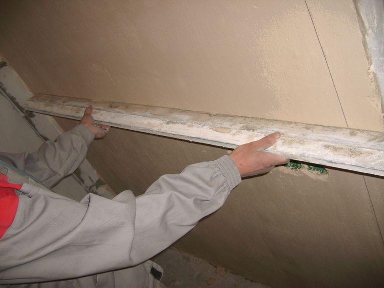 Как новичку справиться с кривыми стенами: 5 советов от штукатуров