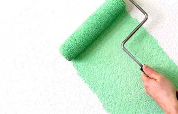 Как покрасить стены валиком и не испортить поверхность