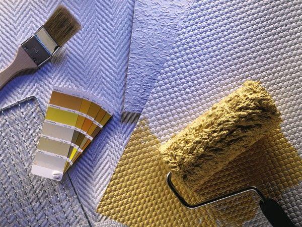 Чем отличаются потолочные обои под покраску от настенных (и почему их не стоит путать)