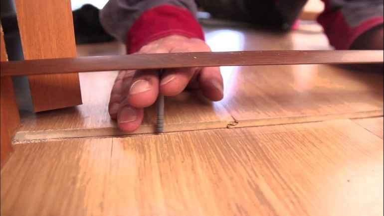 Как надежно прикрутить порожки между комнатами