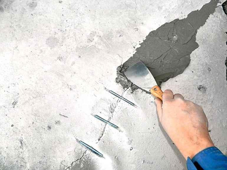 Как спасти треснувший потолок из гипсокартона