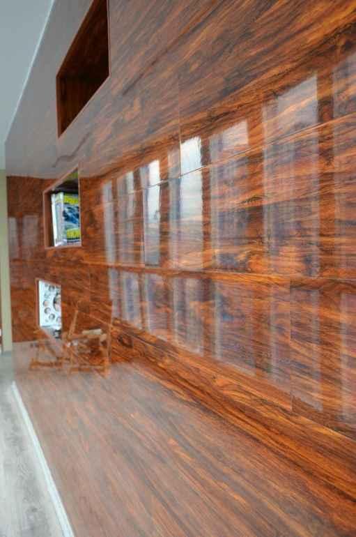 Почему ПВХ-плитка это лучшая отделка стен для новичков в ремонте