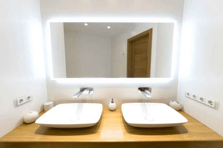 Какие розетки нельзя устанавливать в ванной комнате