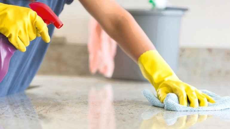 Чем можно быстро оттереть брызги краски после ремонта