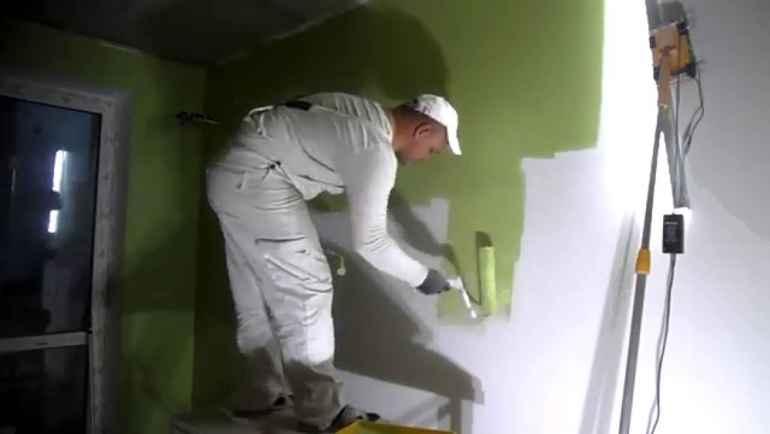 Как покрасить стены без разводов