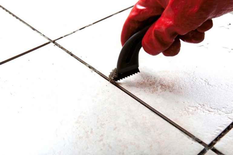 Как удалить треснувшую плитку, не повредив соседние
