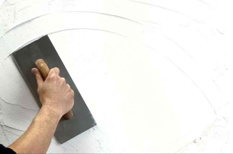 Как правильно разметить стены перед нанесением штукатурки