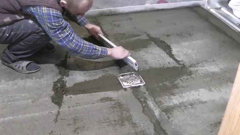 Как самостоятельно проверить качество мокрой стяжки