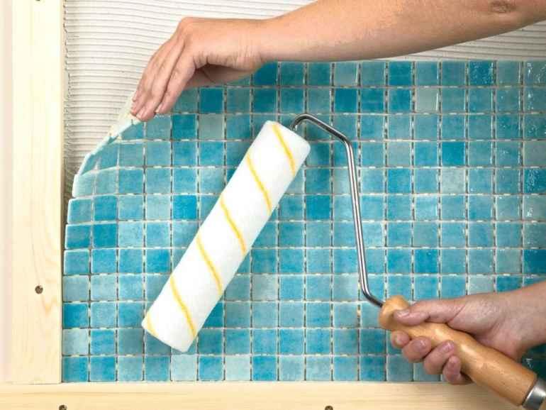Как приклеить мозаичную плитку на гипсокартон