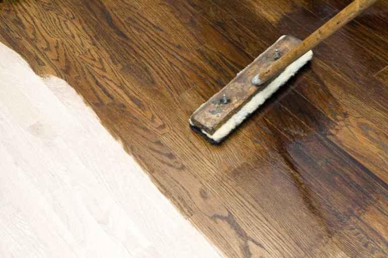 Как изменить цвет деревянного пола с помощью тонировки