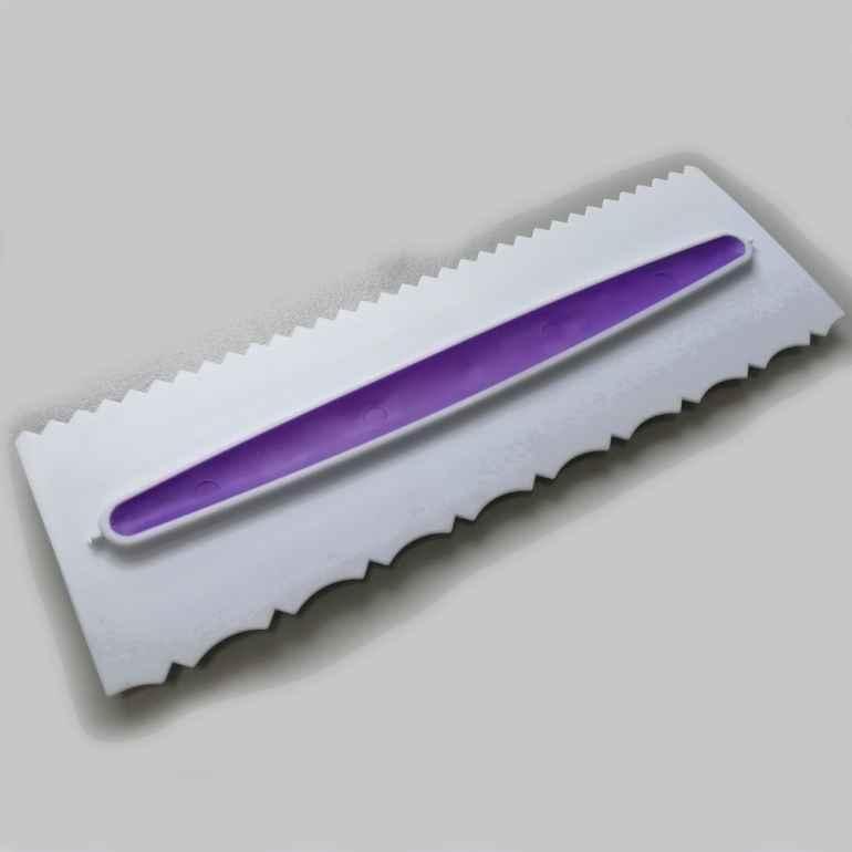 Фигурный шпатель: модный аксессуар или удобный инструмент?