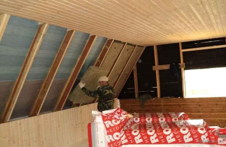 Утепляем стены в деревянном доме: какой материал выбрать?