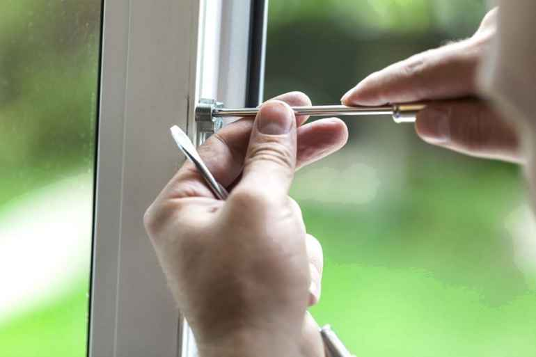 Несколько причин, из-за которых лопаются пластиковые окна